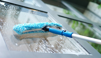 How To Clean Outdoor Windows Outdoor Window Cleaning